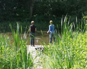 2 drenge fisker
